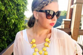 mom-style-confessions-pink-white-yellow-statement-necklace-02