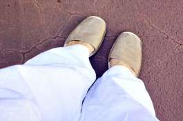 5 friday confessions, mom style, avarcas pons, all white outfit